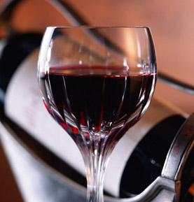 viiniä